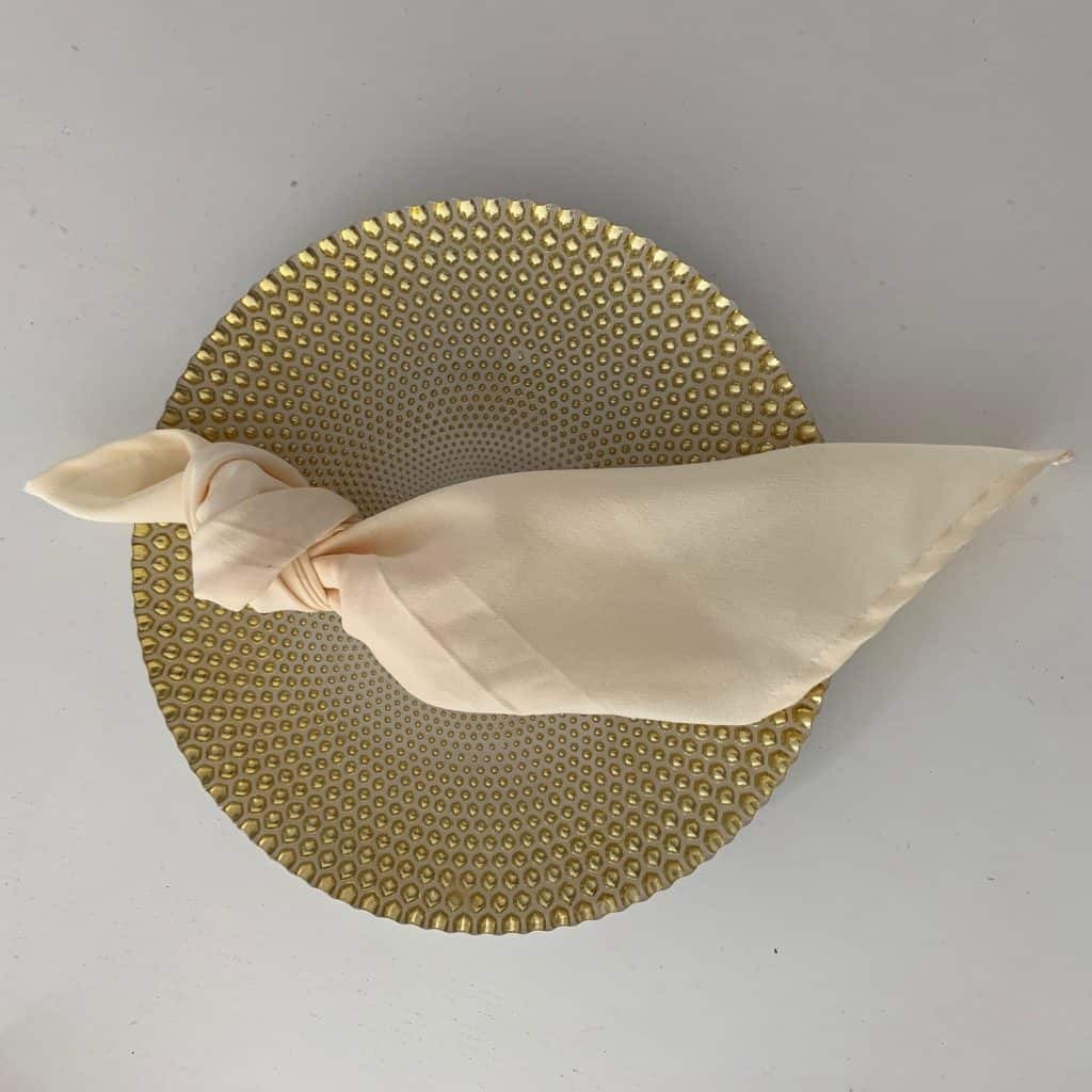 Coloured Napkin - Ivory. 140 available.