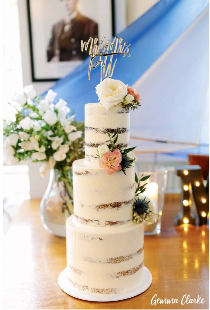 sydney-wedding-reception-packages-flying-squadron-kirribillii-cake