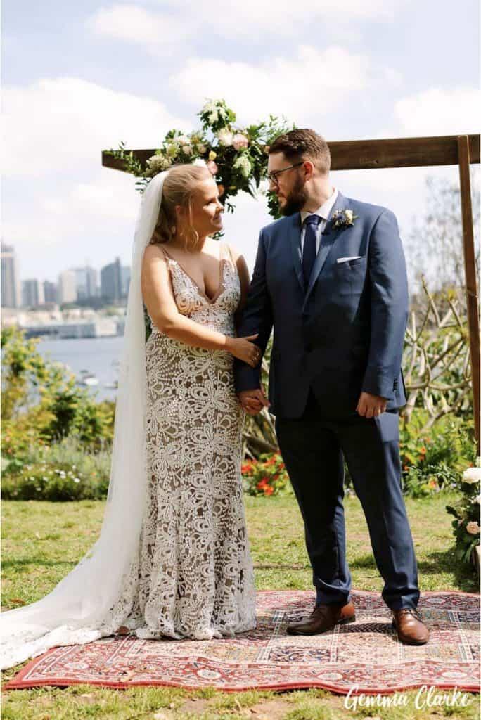 wedding-ceremony-hire-packages-lavender-bay-clark-park-sydney-bride-groom-arch