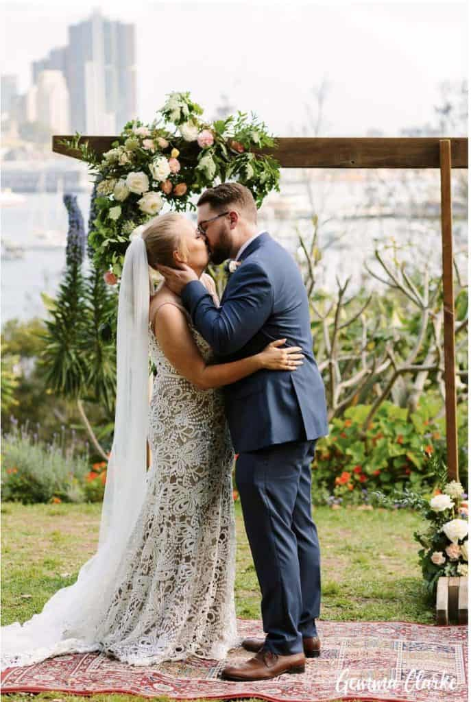 wedding-ceremony-hire-packages-lavender-bay-clark-park-sydney-first-kiss