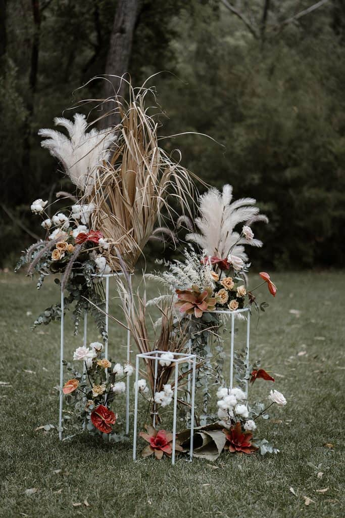 wedding-sydney-cermeony-hire-packages-price-white-stands-frame-4